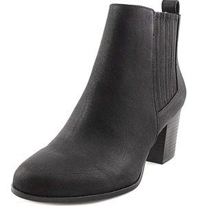 Black ankle boots - black booties